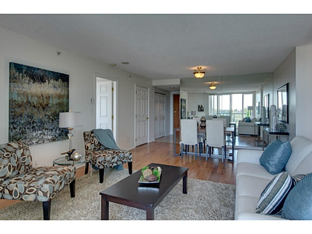 Photo 5: # 901 10 LAGUNA CT in New Westminster: Quay Condo for sale : MLS(r) # V1075024