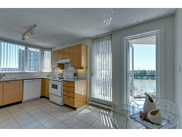 Photo 6: # 901 10 LAGUNA CT in New Westminster: Quay Condo for sale : MLS(r) # V1075024