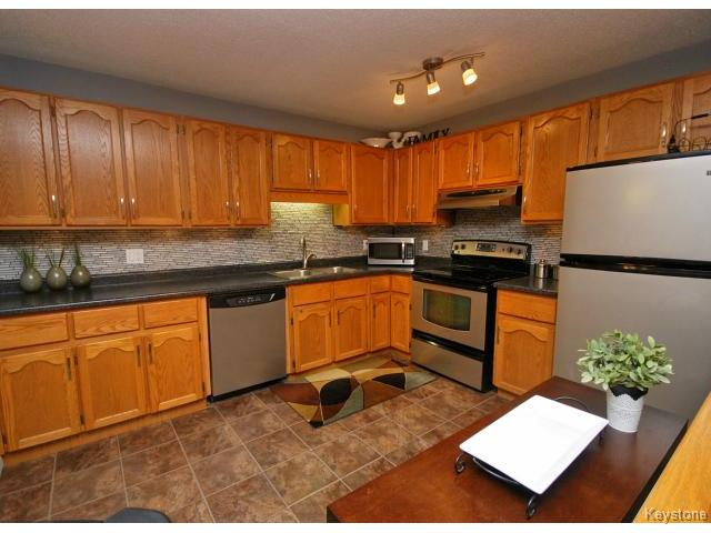 Photo 6: 210 Carson Park Drive in LORETTE: Dufresne / Landmark / Lorette / Ste. Genevieve Residential for sale (Winnipeg area)  : MLS(r) # 1419936