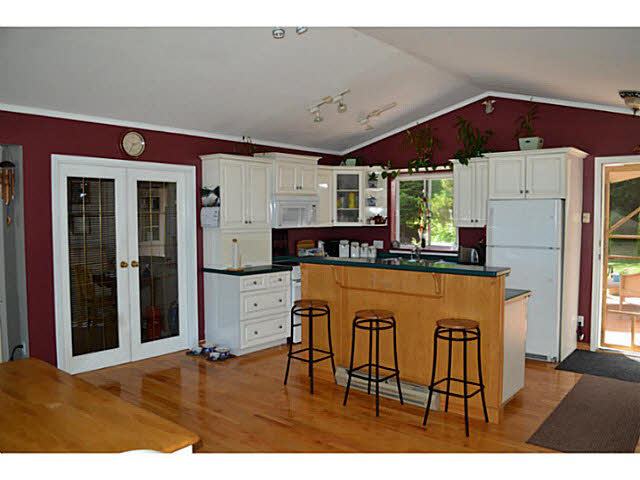 Photo 4: 7847 EAGLE DRIVE in Halfmoon Bay: Halfmn Bay Secret Cv Redroofs House for sale (Sunshine Coast)  : MLS(r) # V1129935