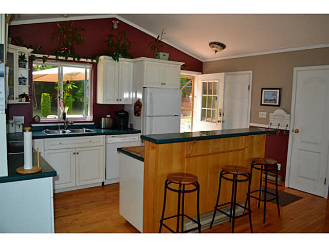 Photo 5: 7847 EAGLE DRIVE in Halfmoon Bay: Halfmn Bay Secret Cv Redroofs House for sale (Sunshine Coast)  : MLS(r) # V1129935