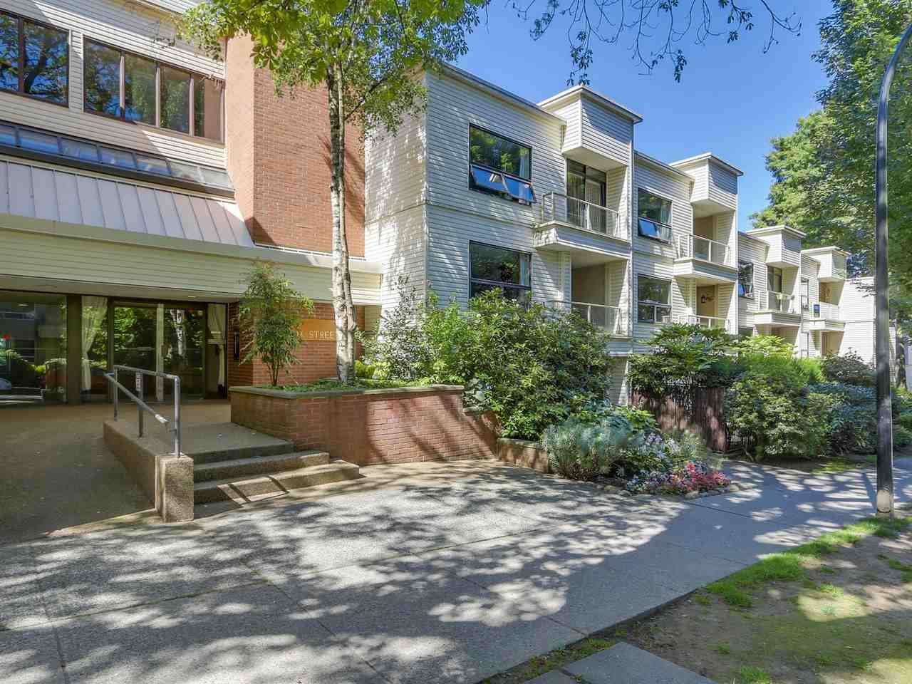 Main Photo: 203 1350 COMOX STREET in Vancouver: West End VW Condo for sale (Vancouver West)  : MLS® # R2096404