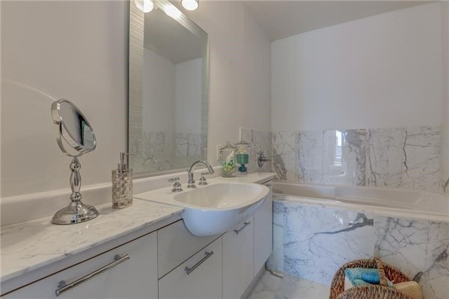 Photo 5: 155 Dalhousie St Unit #Ph 5 in Toronto: Church-Yonge Corridor Condo for sale (Toronto C08)  : MLS® # C3543677