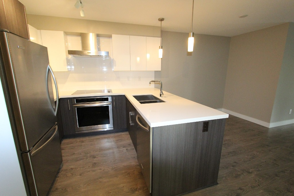 Photo 5: 316 7131 Stride Avenue in Burnaby: Edmonds BE Condo for sale (Burnaby East)
