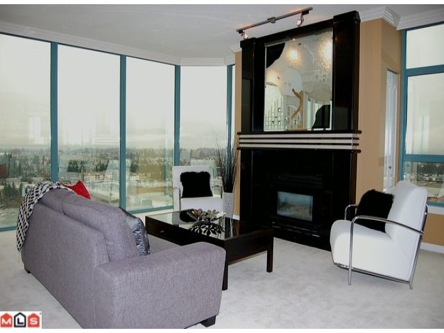 "Photo 2: 1601 32330 S FRASER Way in Abbotsford: Abbotsford West Condo for sale in ""TOWN CENTRE TOWER"" : MLS® # F1204019"