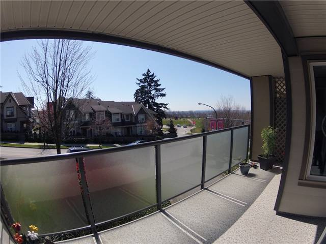 "Photo 9: 317 6707 SOUTHPOINT Drive in Burnaby: South Slope Condo for sale in ""MISSION WOODS"" (Burnaby South)  : MLS(r) # V941103"