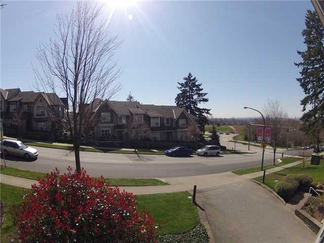 "Photo 10: 317 6707 SOUTHPOINT Drive in Burnaby: South Slope Condo for sale in ""MISSION WOODS"" (Burnaby South)  : MLS(r) # V941103"
