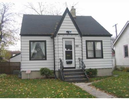 Main Photo: 1064 SPRUCE ST.: Residential for sale (West End)  : MLS®# 2717952