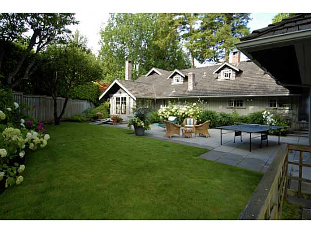 Main Photo: 2641 CRESCENT DR in Surrey: Crescent Bch Ocean Pk. House for sale (South Surrey White Rock)  : MLS® # F1408380