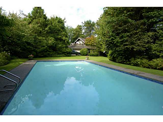 Photo 15: 2641 CRESCENT DR in Surrey: Crescent Bch Ocean Pk. House for sale (South Surrey White Rock)  : MLS® # F1408380