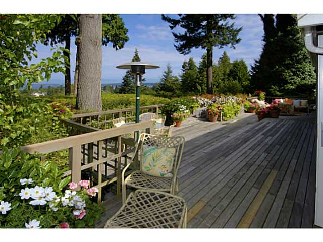Photo 10: 2641 CRESCENT DR in Surrey: Crescent Bch Ocean Pk. House for sale (South Surrey White Rock)  : MLS(r) # F1408380