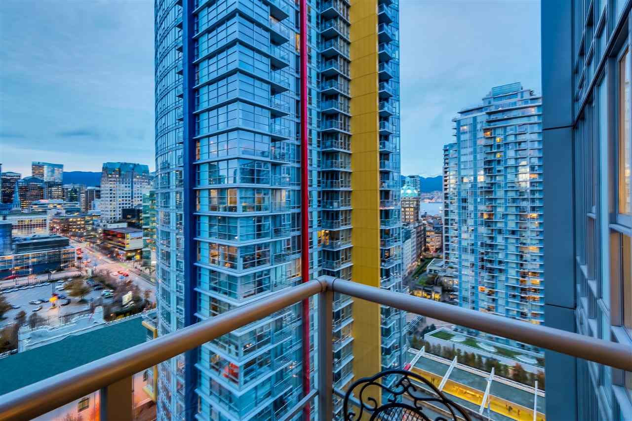 Main Photo: 2109 131 REGIMENT SQUARE in Vancouver: Downtown VW Condo for sale (Vancouver West)  : MLS(r) # R2014815