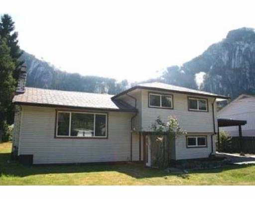 Main Photo: 38074 WESTWAY AV in Squamish: Valleycliffe House for sale : MLS(r) # V552985