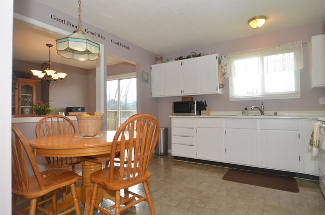 Photo 6: Photos: 6264 HAWKES BOULEVARD in DUNCAN: House for sale : MLS®# 371384