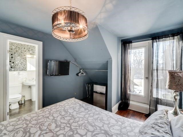 Photo 7: 137 Winchester St in Toronto: Cabbagetown-South St. James Town Freehold for sale (Toronto C08)  : MLS(r) # C3708228