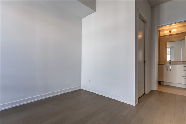 Photo 11: 455 Front St Unit #705 in Toronto: Waterfront Communities C8 Condo for sale (Toronto C08)  : MLS® # C3710790