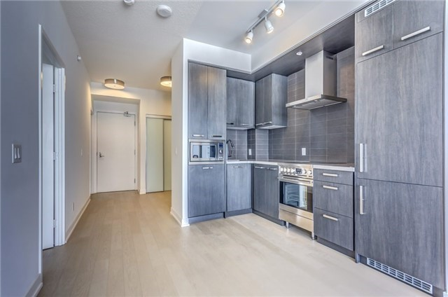 Photo 6: 455 Front St Unit #705 in Toronto: Waterfront Communities C8 Condo for sale (Toronto C08)  : MLS® # C3710790