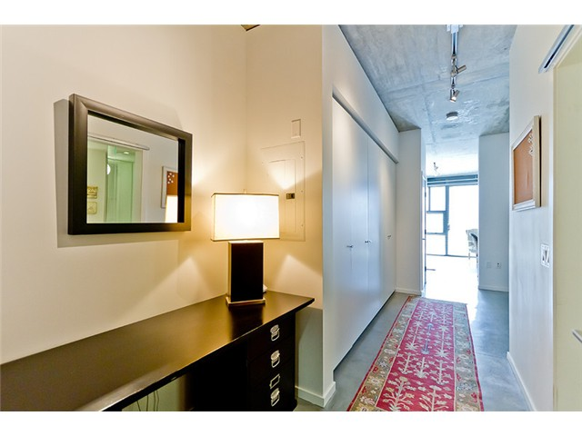 "Main Photo: 104 388 W 1ST Avenue in Vancouver: False Creek Condo for sale in ""THE EXCHANGE"" (Vancouver West)  : MLS® # V975965"