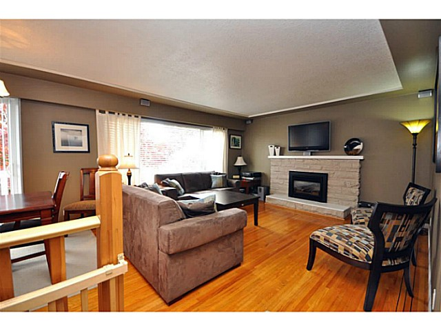 "Main Photo: 4522 62ND Street in Ladner: Holly House for sale in ""HOLLY"" : MLS®# V990375"