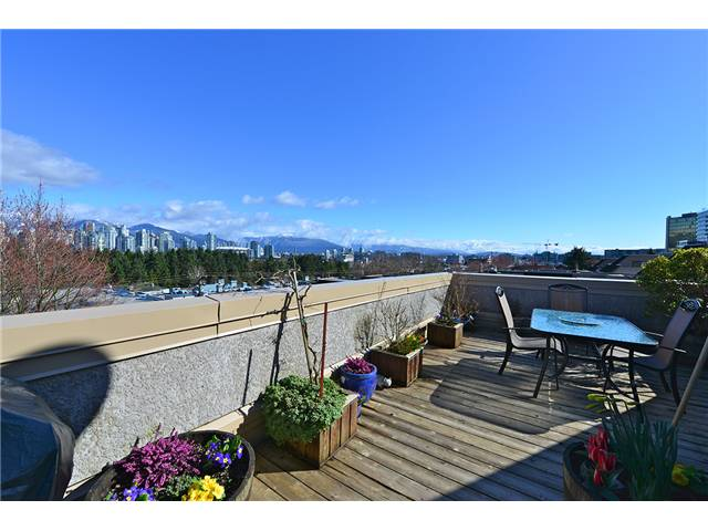"Photo 9: 47 870 W 7TH Avenue in Vancouver: Fairview VW Townhouse for sale in ""THE LAUREL"" (Vancouver West)  : MLS(r) # V996530"