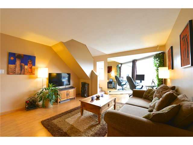 "Photo 2: 47 870 W 7TH Avenue in Vancouver: Fairview VW Townhouse for sale in ""THE LAUREL"" (Vancouver West)  : MLS(r) # V996530"