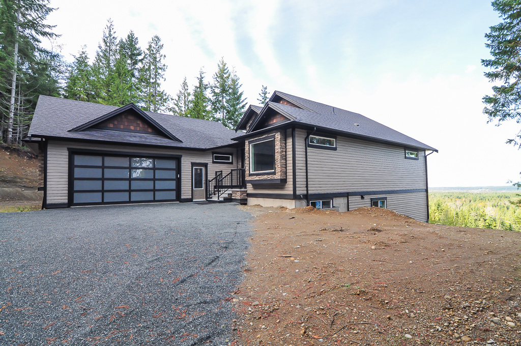 Main Photo: 1750 Wesley Ridge Place: Qualicum Beach House for sale (Parksville/Nanaimo)  : MLS®# 383252