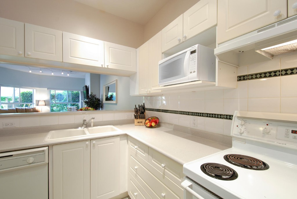 Photo 5: # 120 511 W 7TH AV in Vancouver: Fairview VW Condo for sale (Vancouver West)  : MLS(r) # V1067838