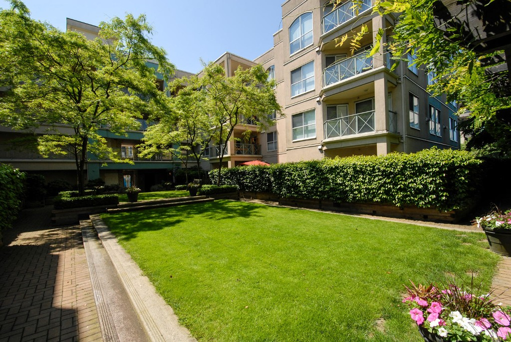 Photo 19: # 120 511 W 7TH AV in Vancouver: Fairview VW Condo for sale (Vancouver West)  : MLS(r) # V1067838