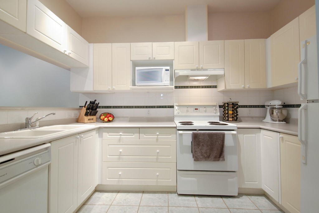 Photo 4: # 120 511 W 7TH AV in Vancouver: Fairview VW Condo for sale (Vancouver West)  : MLS(r) # V1067838