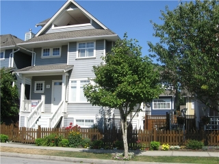 "Main Photo: 2 13160 PRINCESS Street in Richmond: Steveston South Townhouse for sale in ""LONDON LANDING"" : MLS® # V1076841"