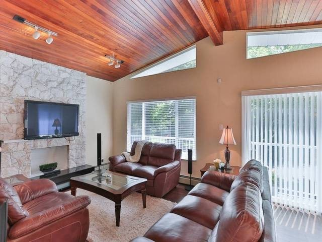 Photo 2: 575 E 46TH AV in Vancouver: Fraser VE House for sale (Vancouver East)  : MLS(r) # V1080500