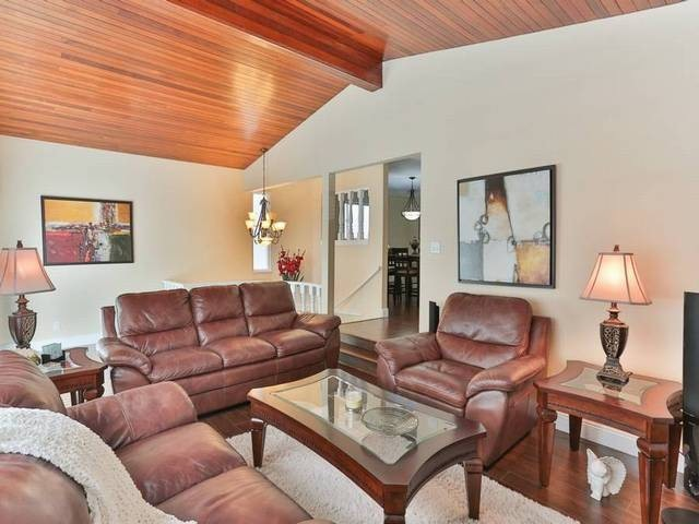 Photo 3: 575 E 46TH AV in Vancouver: Fraser VE House for sale (Vancouver East)  : MLS(r) # V1080500