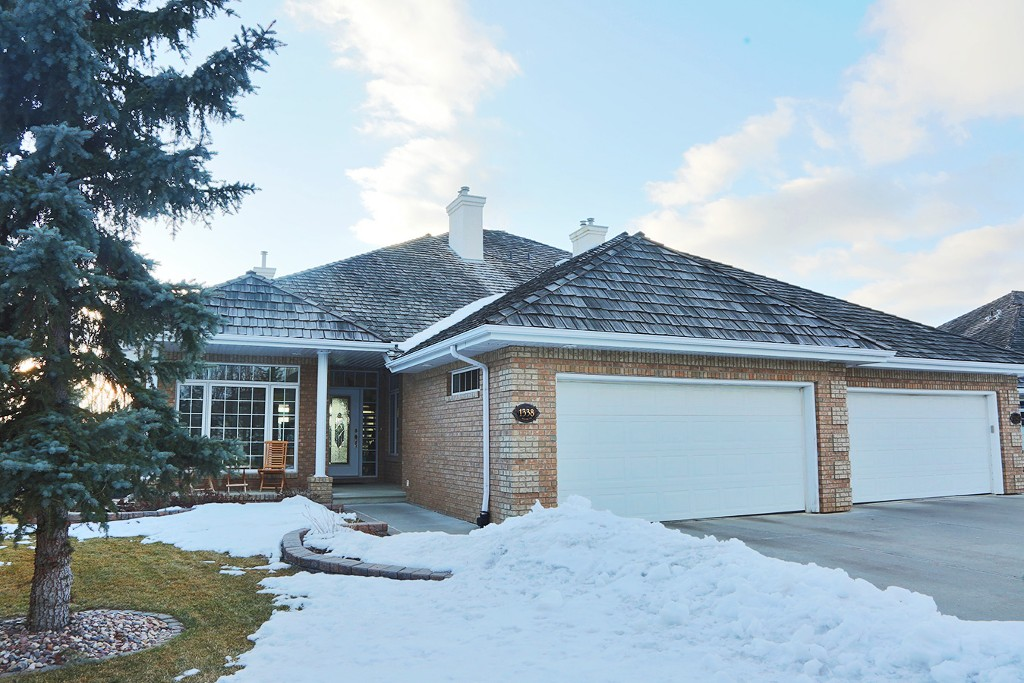 Main Photo: 1338 119B Street NW in Edmonton: House Half Duplex for sale : MLS® # E4052077