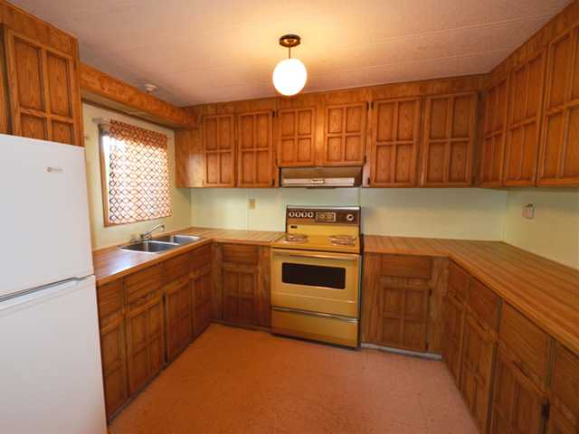 Photo 2: 21821 124TH Avenue in Maple Ridge: West Central Manufactured Home for sale : MLS(r) # V971060