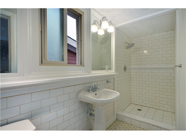 Photo 6: 612 Union Street, Vancouver, V6A 2B9 | Mount Pleasant VE House for sale