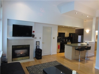 "Main Photo: 100 1788 W 13TH Avenue in Vancouver: Fairview VW Condo for sale in ""MAGNOLIA"" (Vancouver West)  : MLS® # V985193"