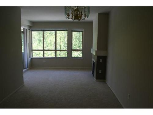 Photo 5: 405 801 KLAHANIE Drive in Port Moody: Port Moody Centre Home for sale ()  : MLS® # V825997