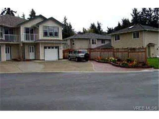 Main Photo: 1028 Walfred Road in VICTORIA: La Walfred Strata Duplex Unit for sale (Langford)  : MLS(r) # 176364