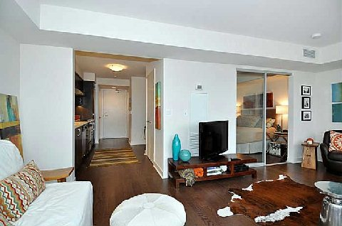 Photo 9: 320 Richmond St E Unit #818 in Toronto: Moss Park Condo for sale (Toronto C08)  : MLS(r) # C2882753