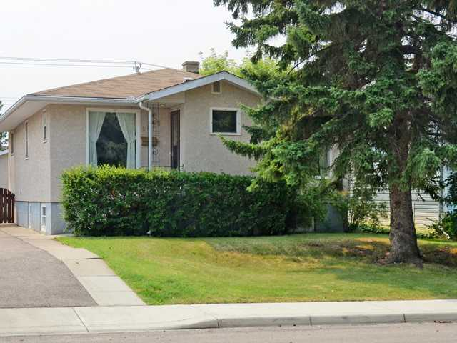 Main Photo: 1625 18 Avenue NW in Calgary: Capitol Hill Residential Detached Single Family for sale : MLS(r) # C3629939