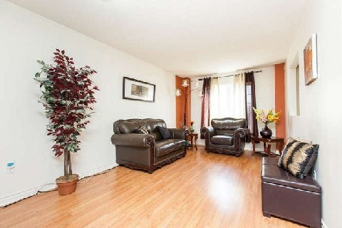 Main Photo: 53 2 Claybrick Court in Brampton: Brampton North Condo for sale : MLS(r) # W2994849