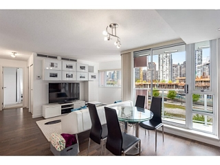 Main Photo: # 501 918 COOPERAGE WY in Vancouver: Yaletown Condo for sale (Vancouver West)  : MLS(r) # V1120182