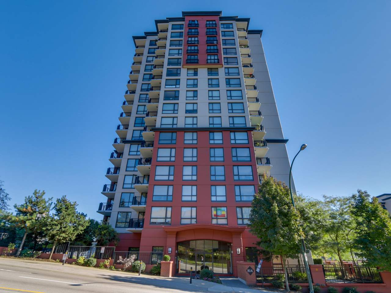Main Photo: 704 814 ROYAL AVENUE in New Westminster: Downtown NW Condo for sale : MLS(r) # R2123506