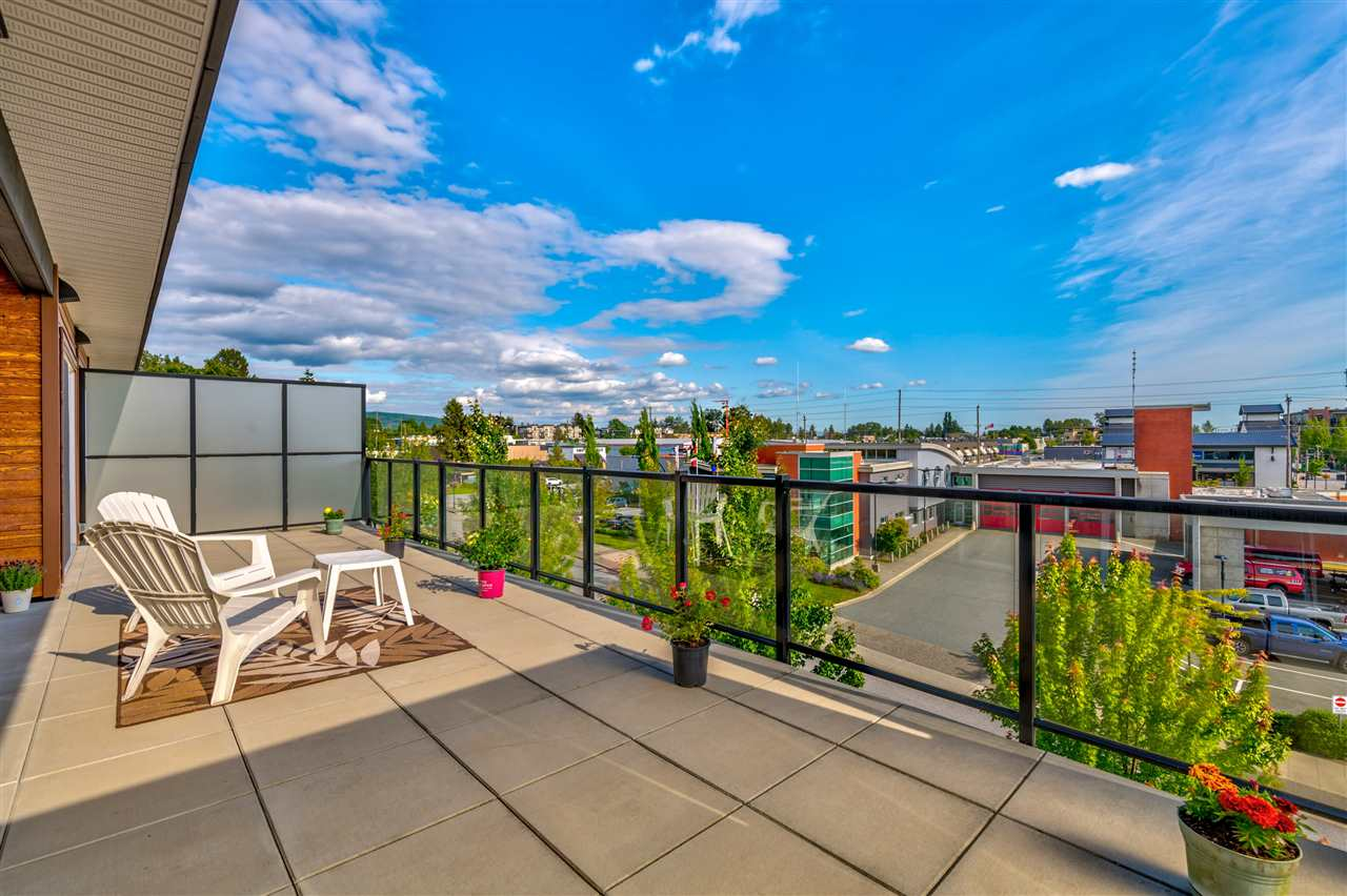 FEATURED LISTING: 404 - 12070 227 Street Maple Ridge