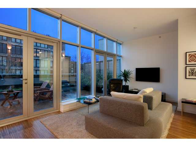 "Main Photo: 601 36 WATER Street in Vancouver: Downtown VW Condo for sale in ""TERMINUS"" (Vancouver West)  : MLS(r) # V938697"