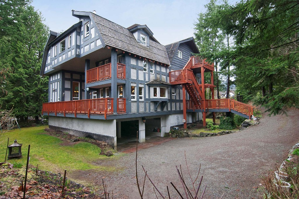 Photo 18: 40402 SKYLINE Drive in Squamish: Garibaldi Highlands House for sale : MLS(r) # V959450