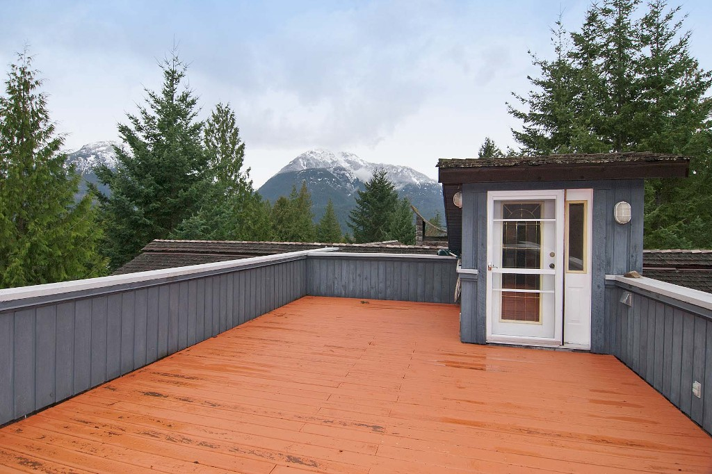 Photo 20: 40402 SKYLINE Drive in Squamish: Garibaldi Highlands House for sale : MLS(r) # V959450