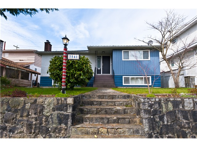 Main Photo: 7541 ELLIOTT ST in Vancouver: Fraserview VE House for sale (Vancouver East)  : MLS(r) # V989806