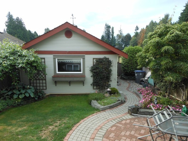 "Photo 16: 12934 16TH Avenue in Surrey: Crescent Bch Ocean Pk. House for sale in ""Ocean Park"" (South Surrey White Rock)  : MLS® # F1320598"