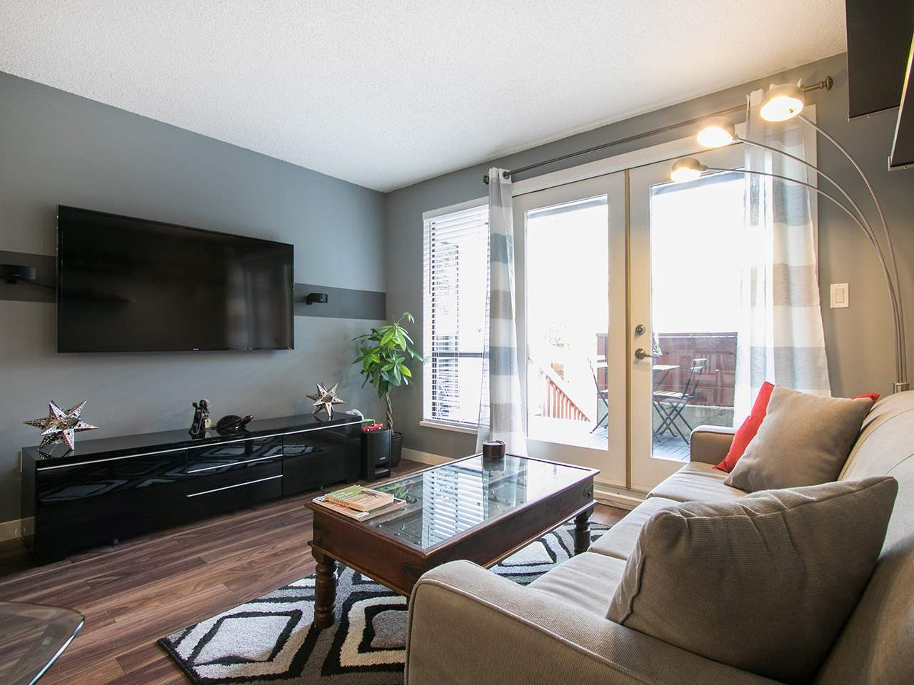 Photo 3: 101 1775 W 10TH AVENUE in Vancouver: Fairview VW Condo for sale (Vancouver West)  : MLS® # R2038742